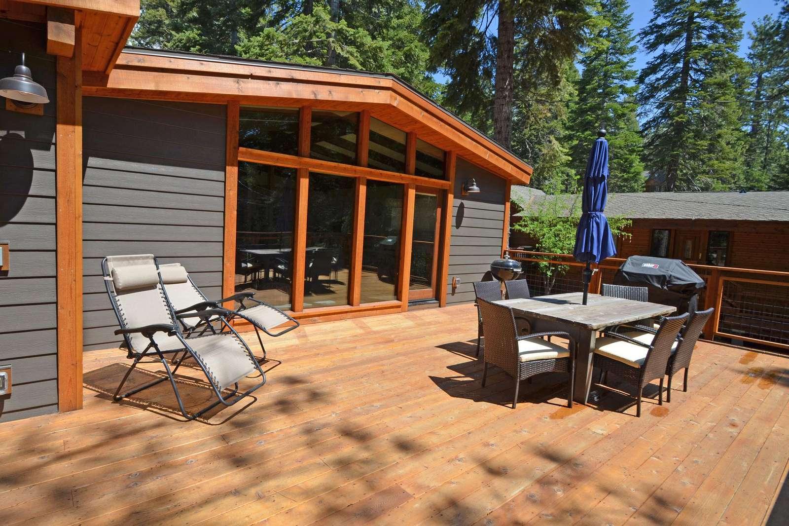 Sunny Large Deck