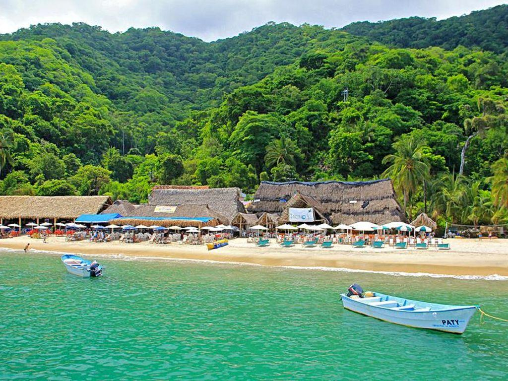 Las Animas beach only 25 minute water taxi ride from Olas Altas pier