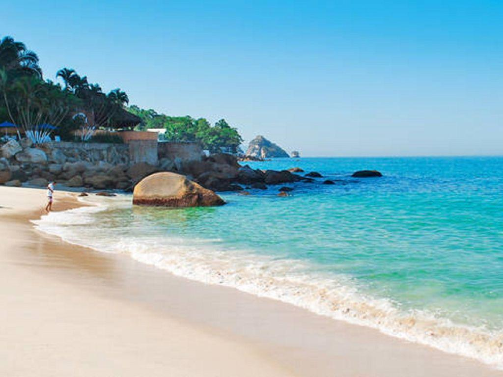 Las Gemelas Beach, 20 minutes away from your unit on a taxi cab.