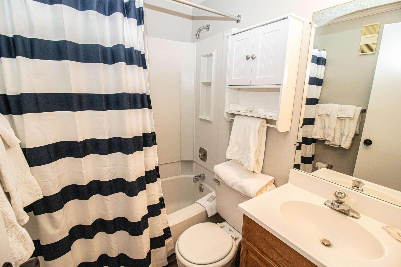 En Suite bathroom in bedroom 1