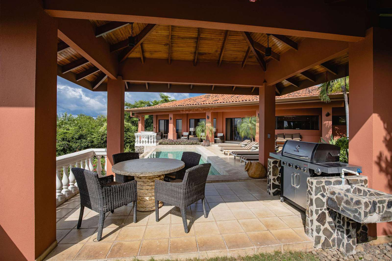 Covered palapa area, BBQ grill, ocean views