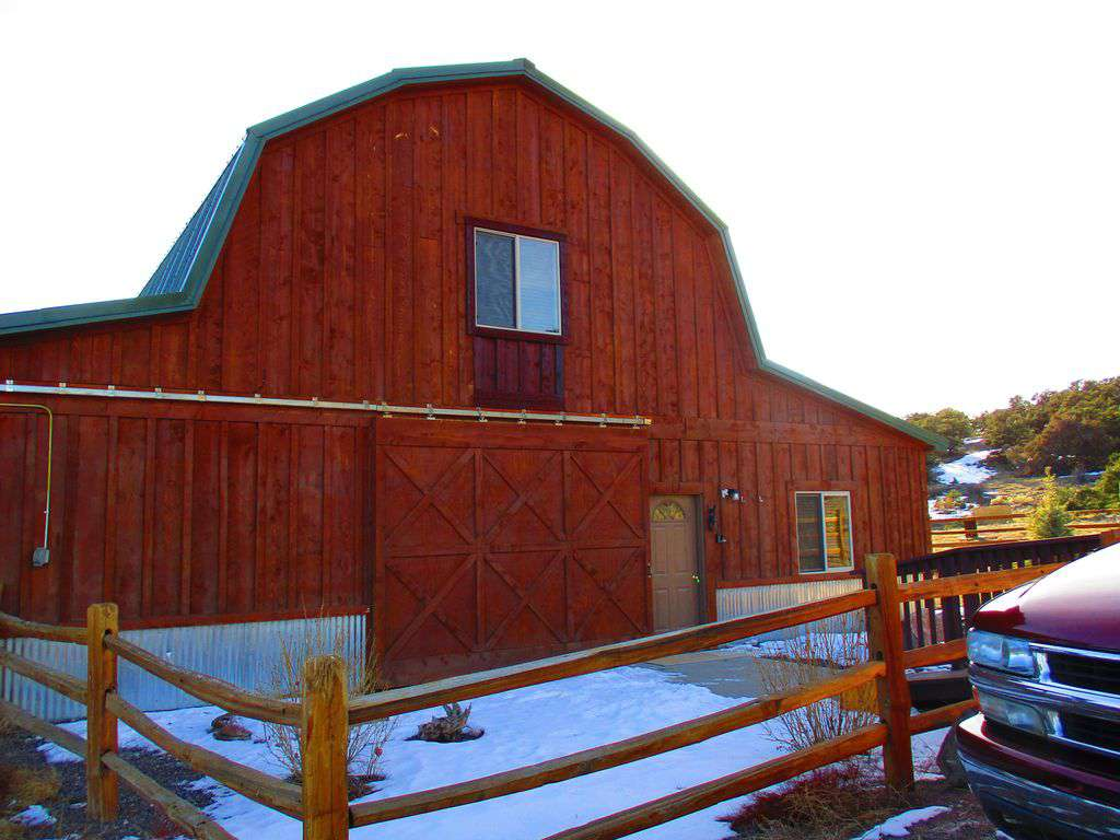 Front of barnhouse