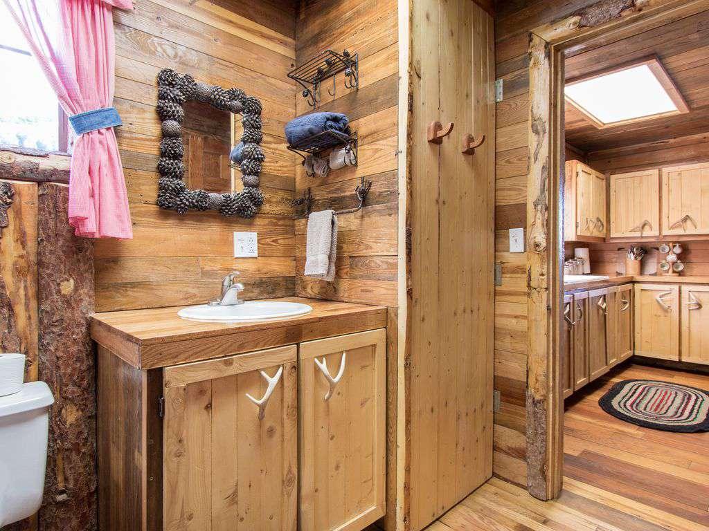 Bunk house bathroom.