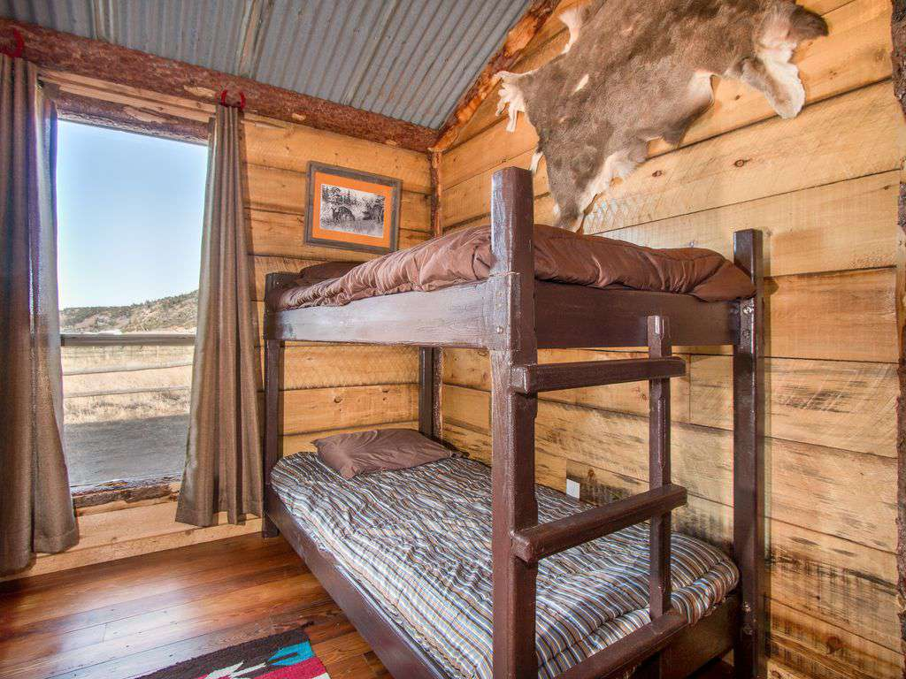 Bunk house - room with 2 twin bunks.