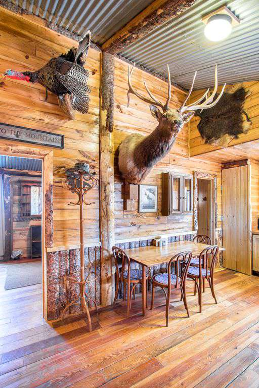 Bunk house dining area.