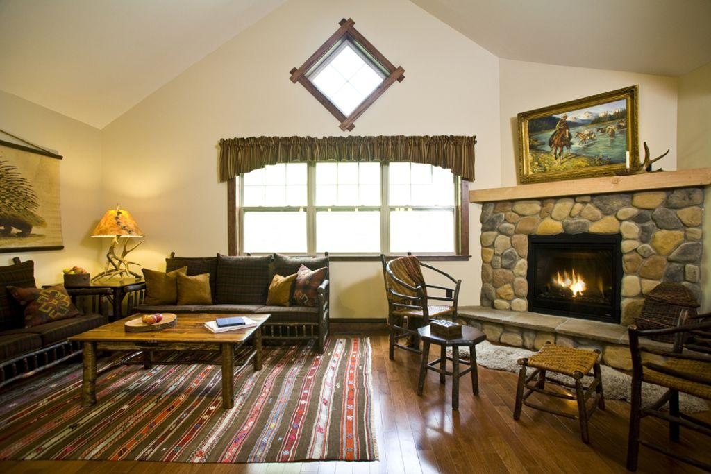 Cozy Fireplace for those ski weekend nights!