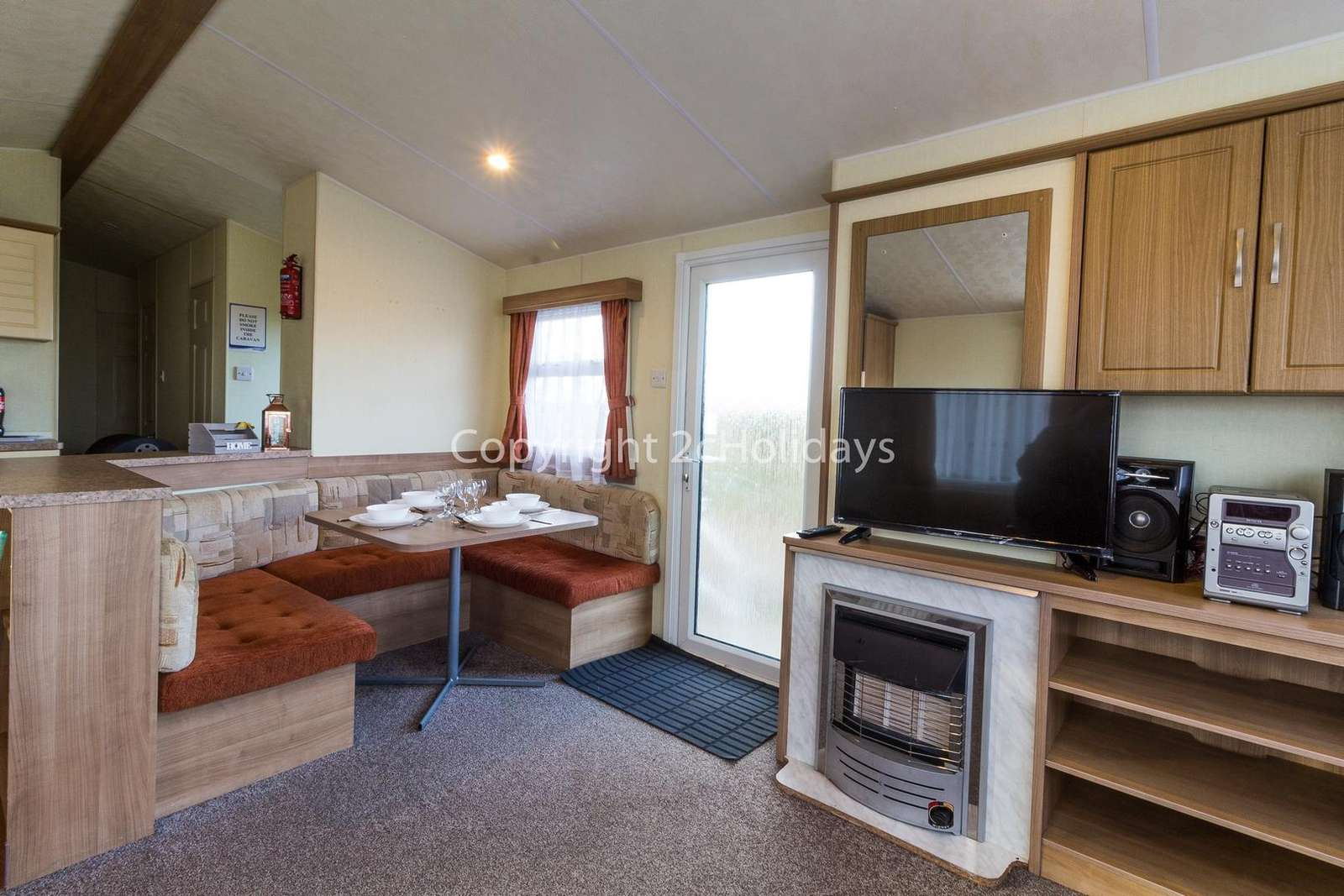 Spacious and open plan kitchen/dining area