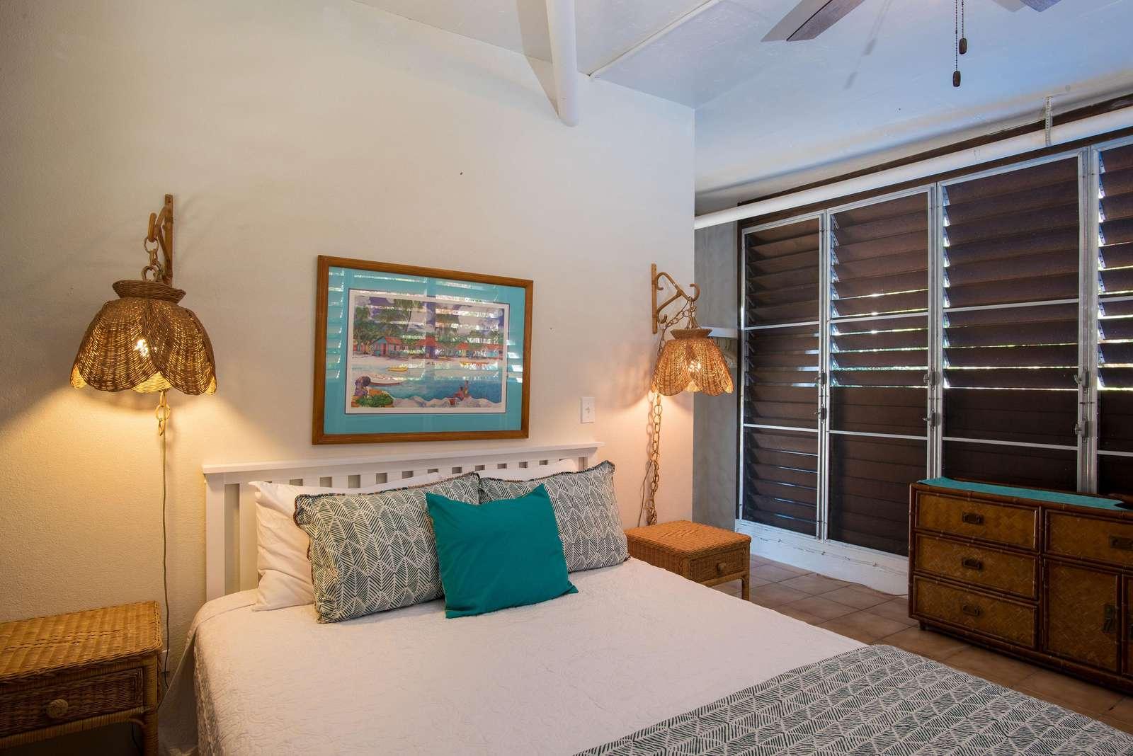 Dowstairs Queen Bedroom