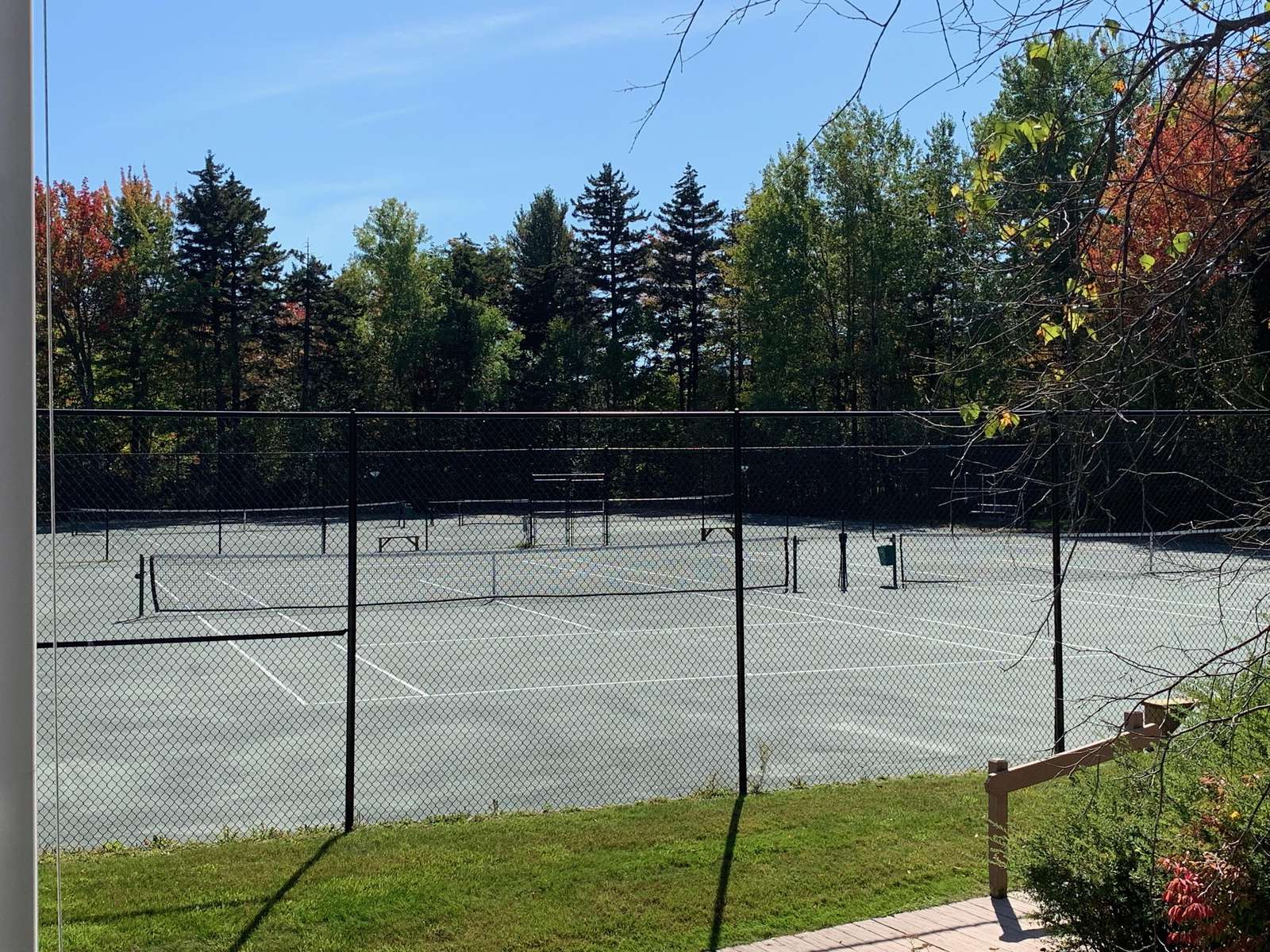 4 clay tennis courts at Sugarhouse Amenity Center