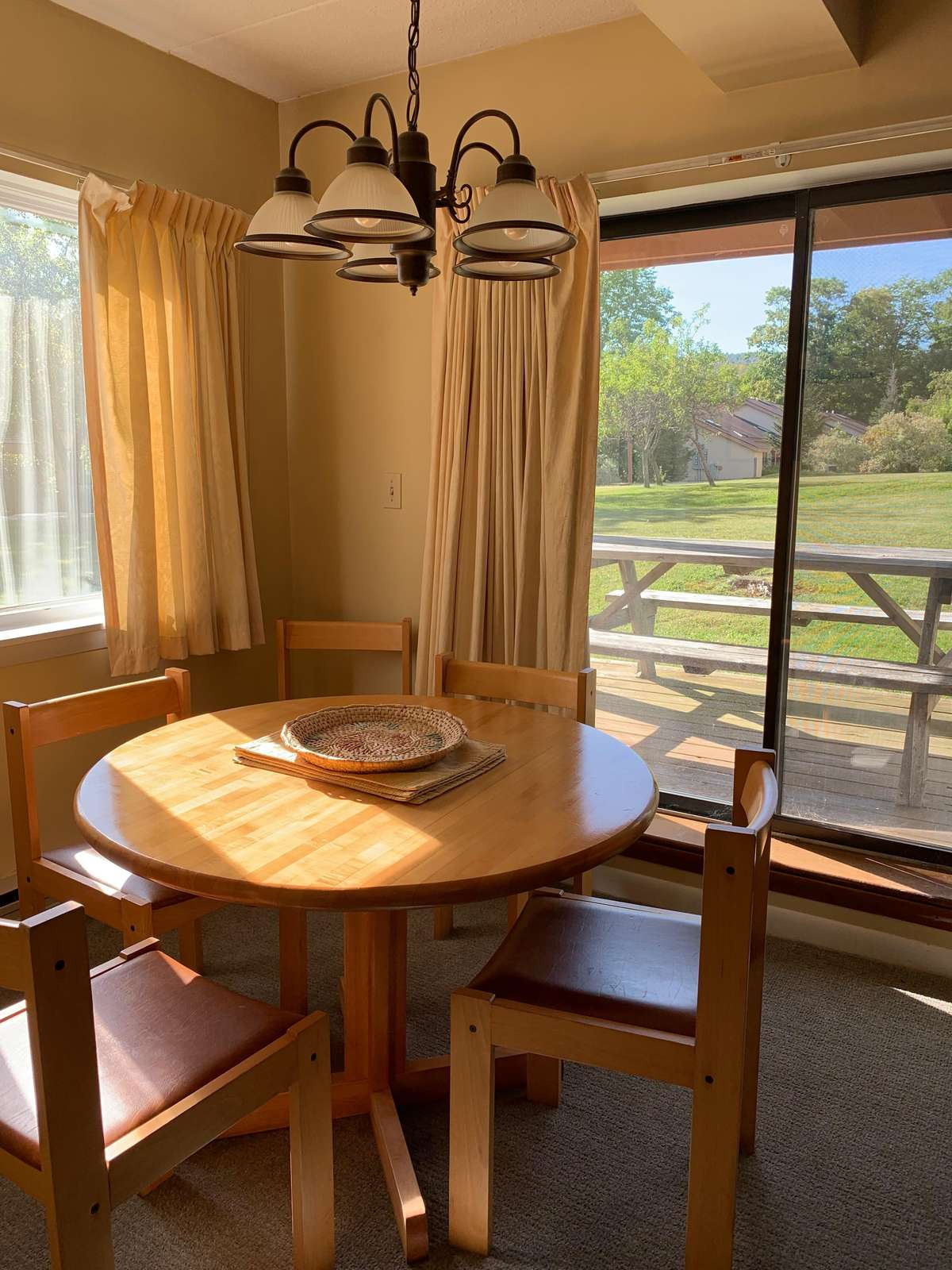 Roomy dining with views of Mount Snow trails