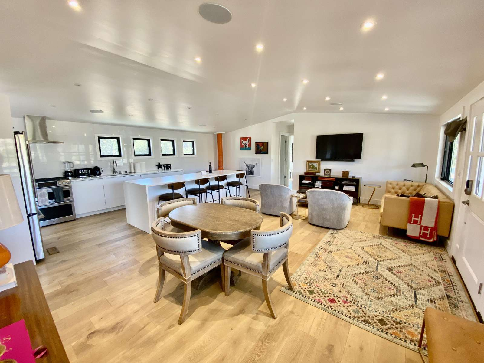 Large open-space living and dining area
