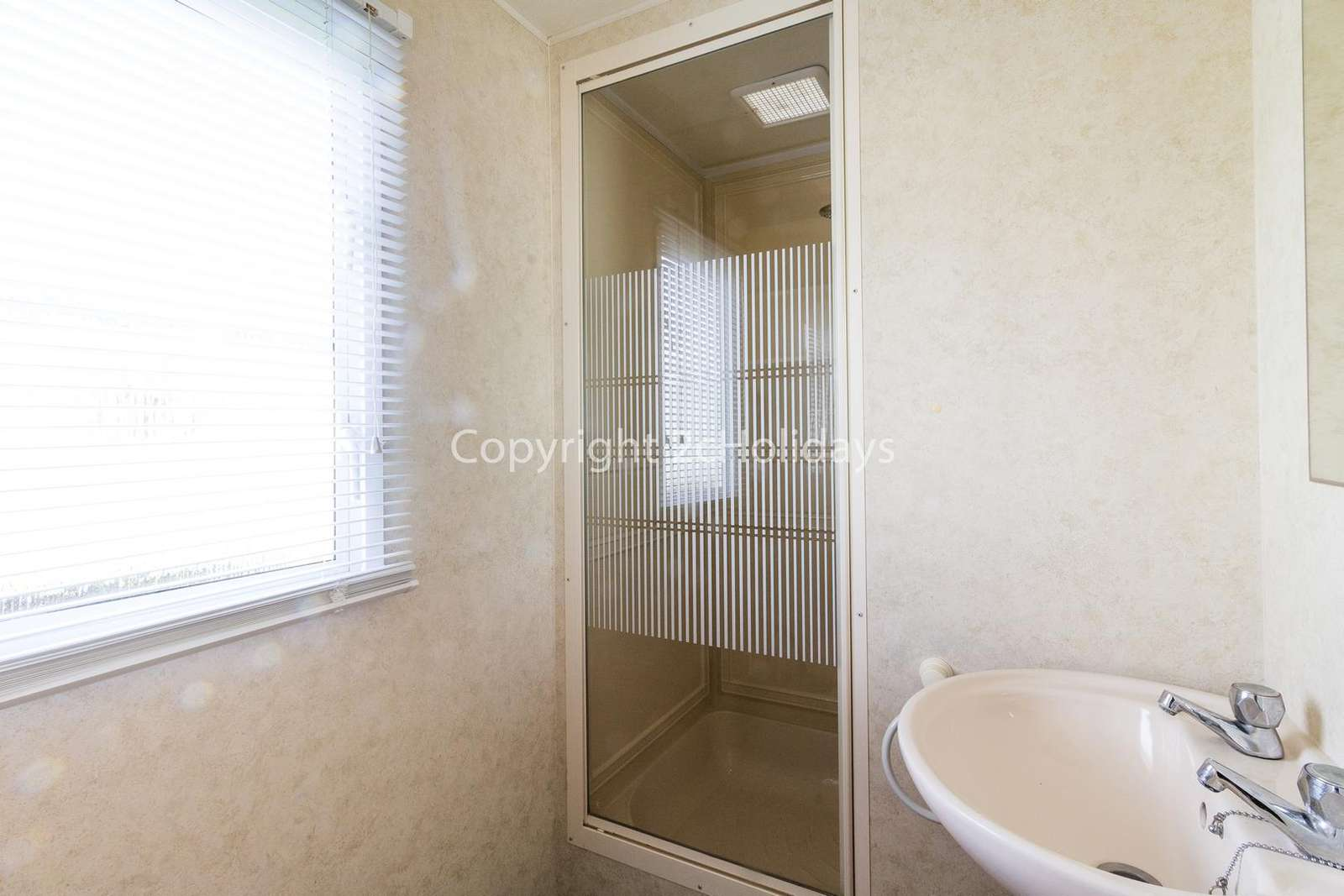 A great size family washroom!