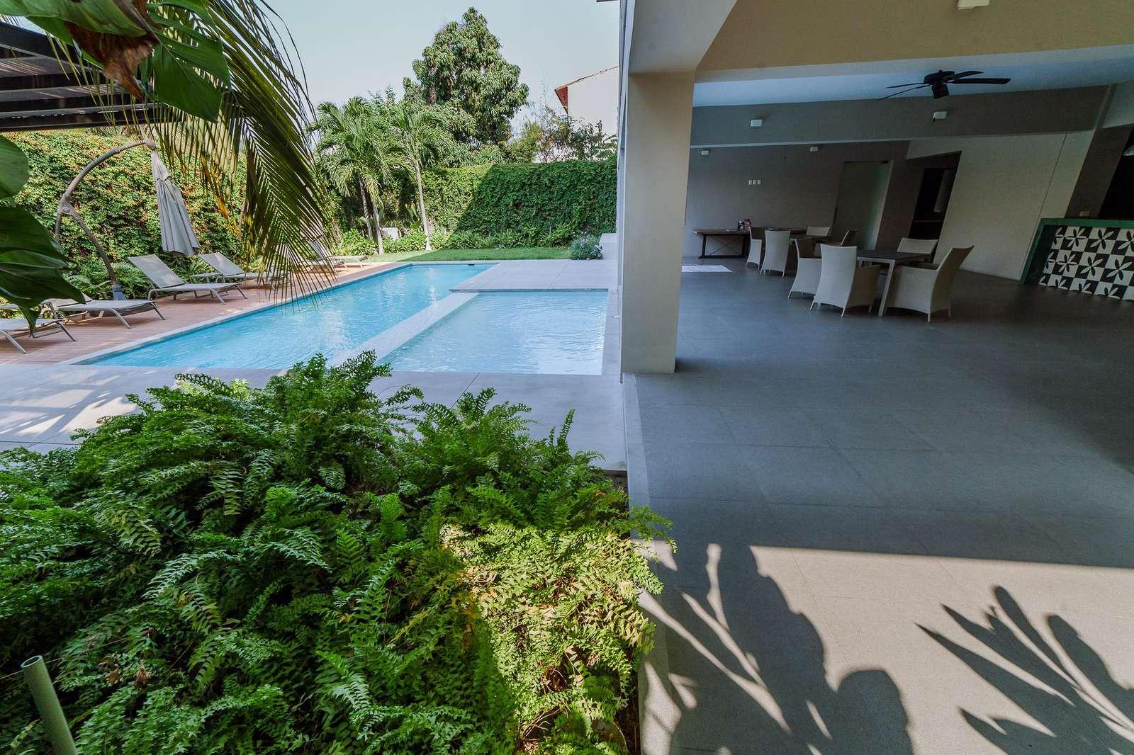 Spacious pool & common area