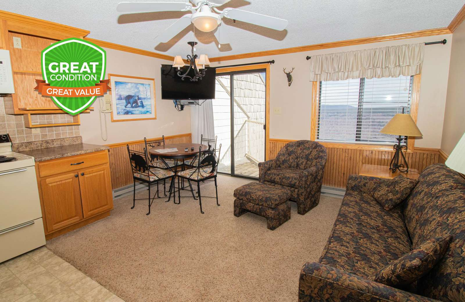 ML356 - Your Snowshoe home away from home! Clean & cozy!