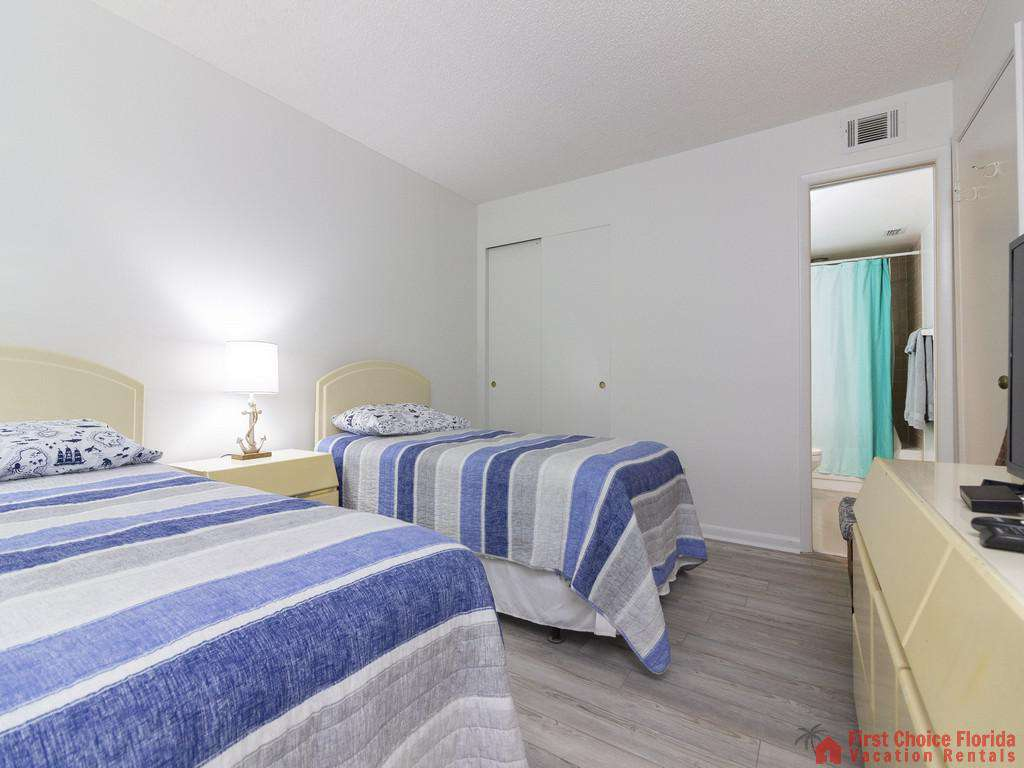 Colony Reef 3101 Twin Beds with Lamp