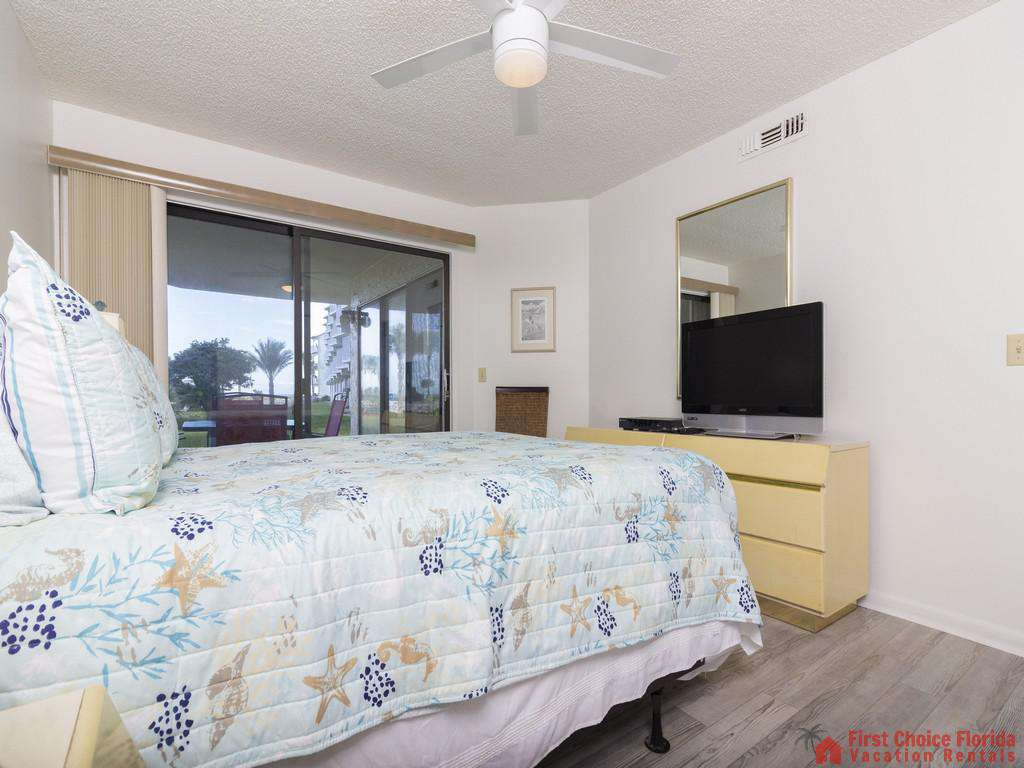 Colony Reef 3101 Bed with TV