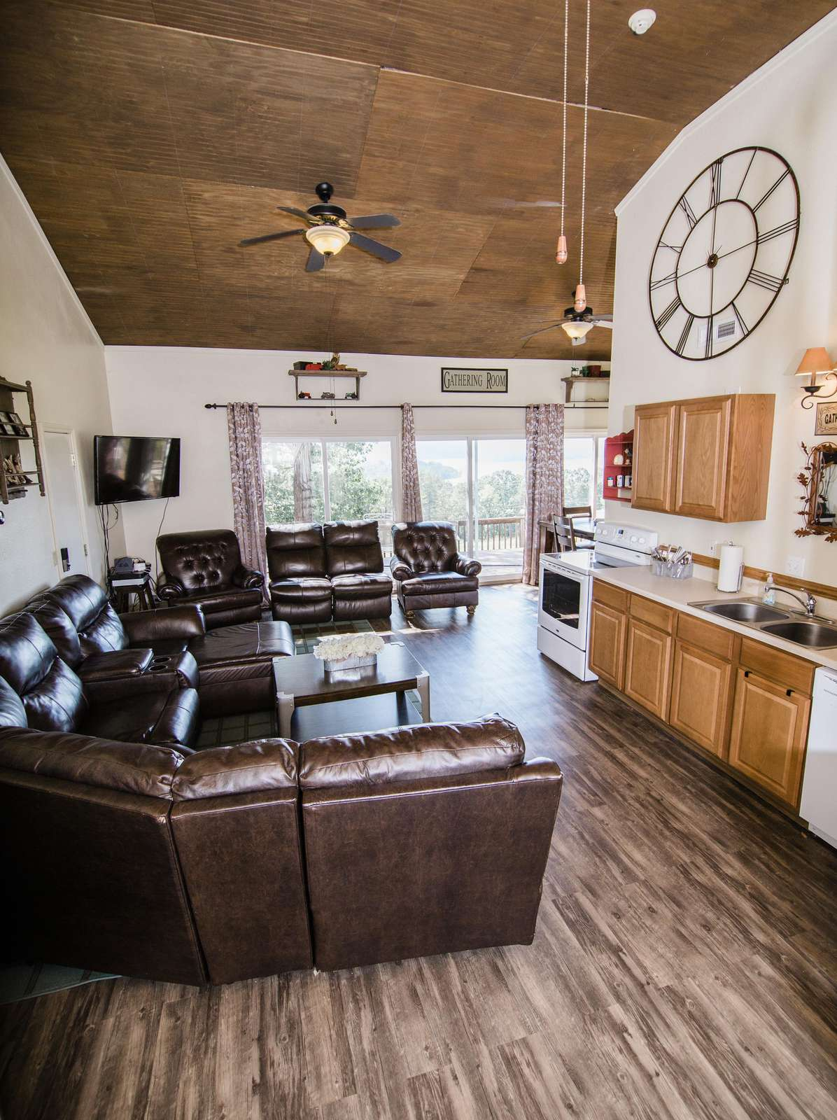 Cabin One: Gathering Room living area has plenty of seating space on the leather furniture.