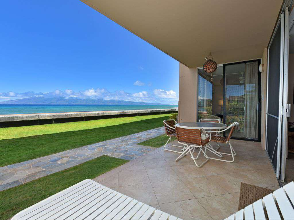 Lanai with path to pool