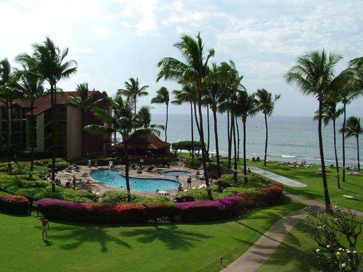 View of Papakea property pool and ocean