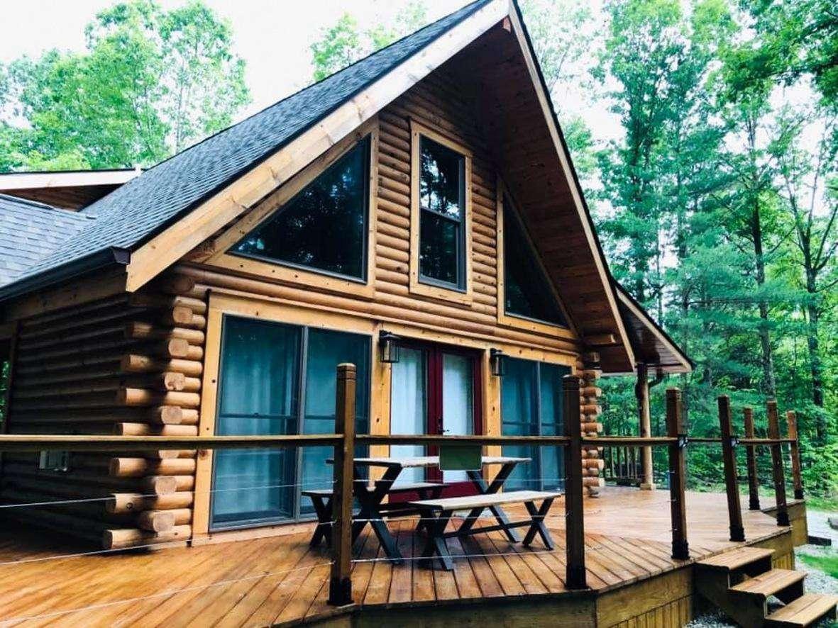 Brown County Log Cabin - Moondance Vacation Homes