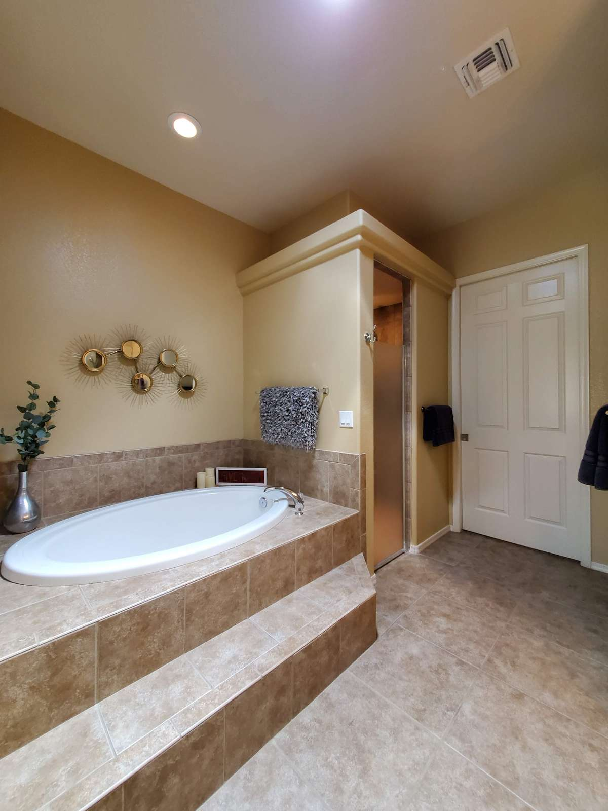Relaxing Soaking Tub