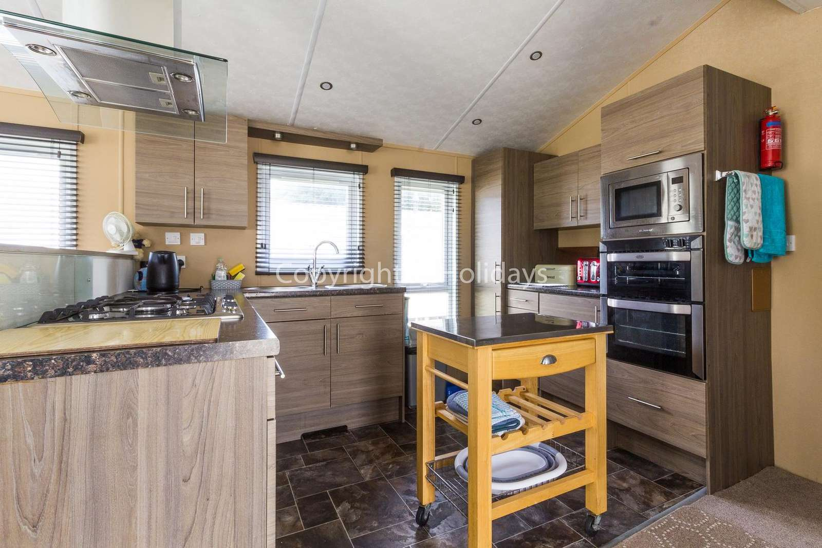 Fully equipped modern kitchen, perfect for self-catering holidays!