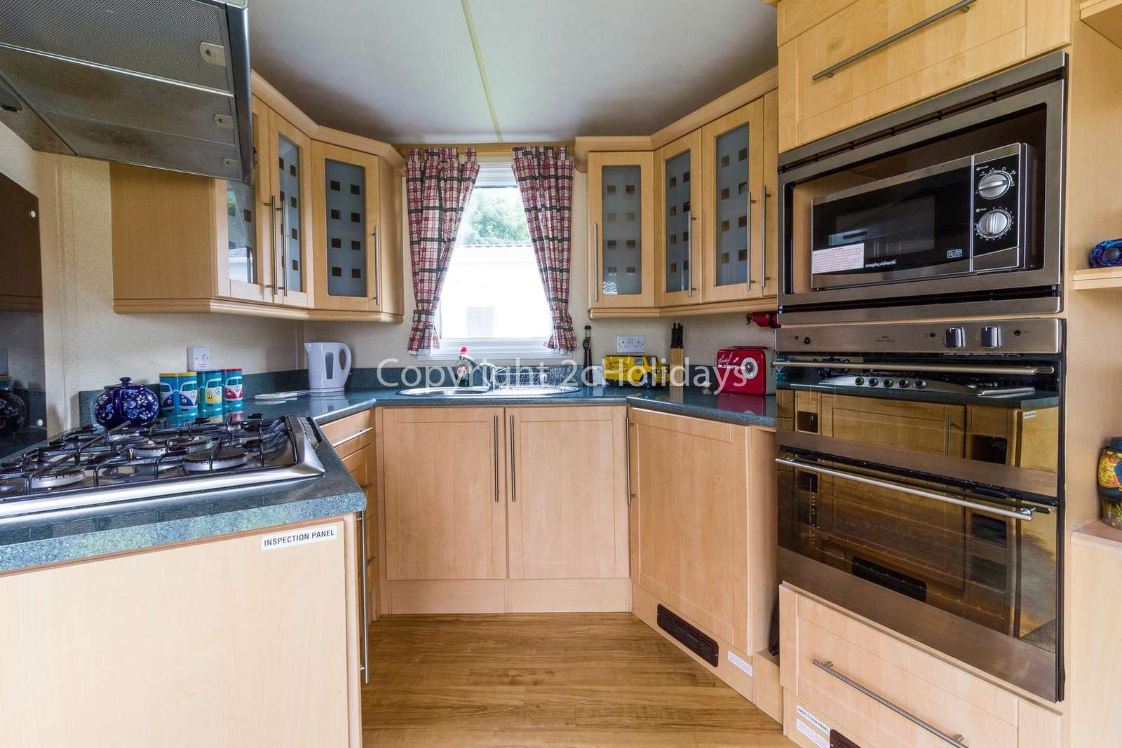 A fully equipped kitchen, perfect for self-catering holiday!