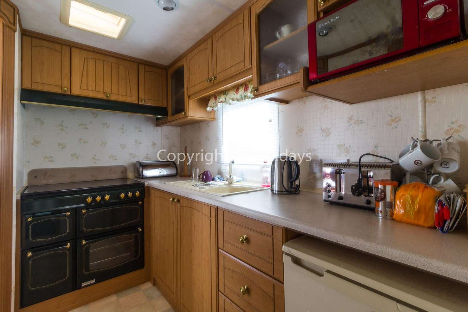 A fully equipped kitchen, perfect for self catering holidays!