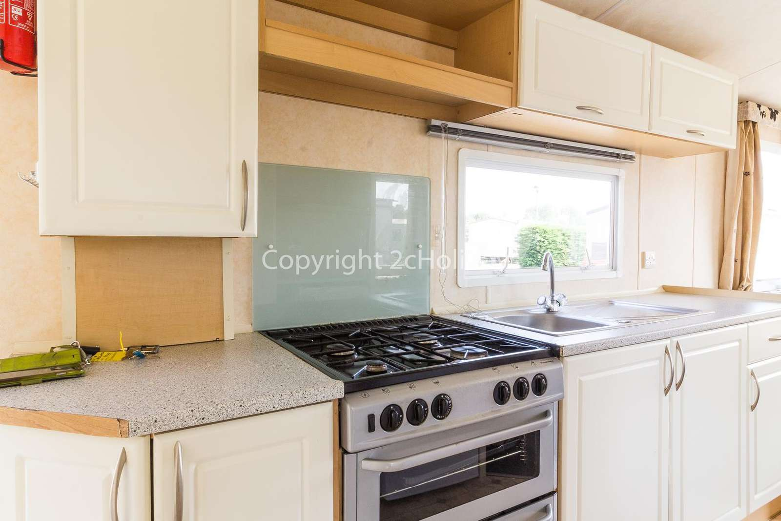 Fully equipped kitchen, perfect for self-catering holidays