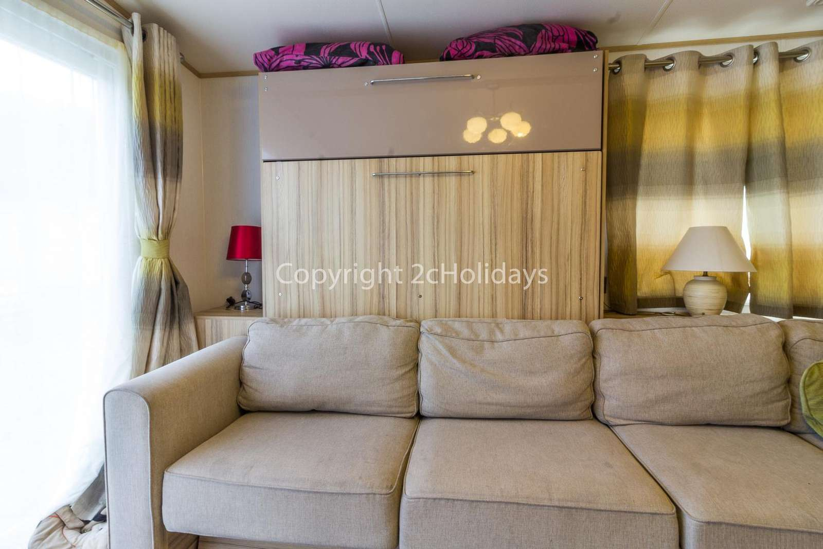 Cosy lounge, great for families!