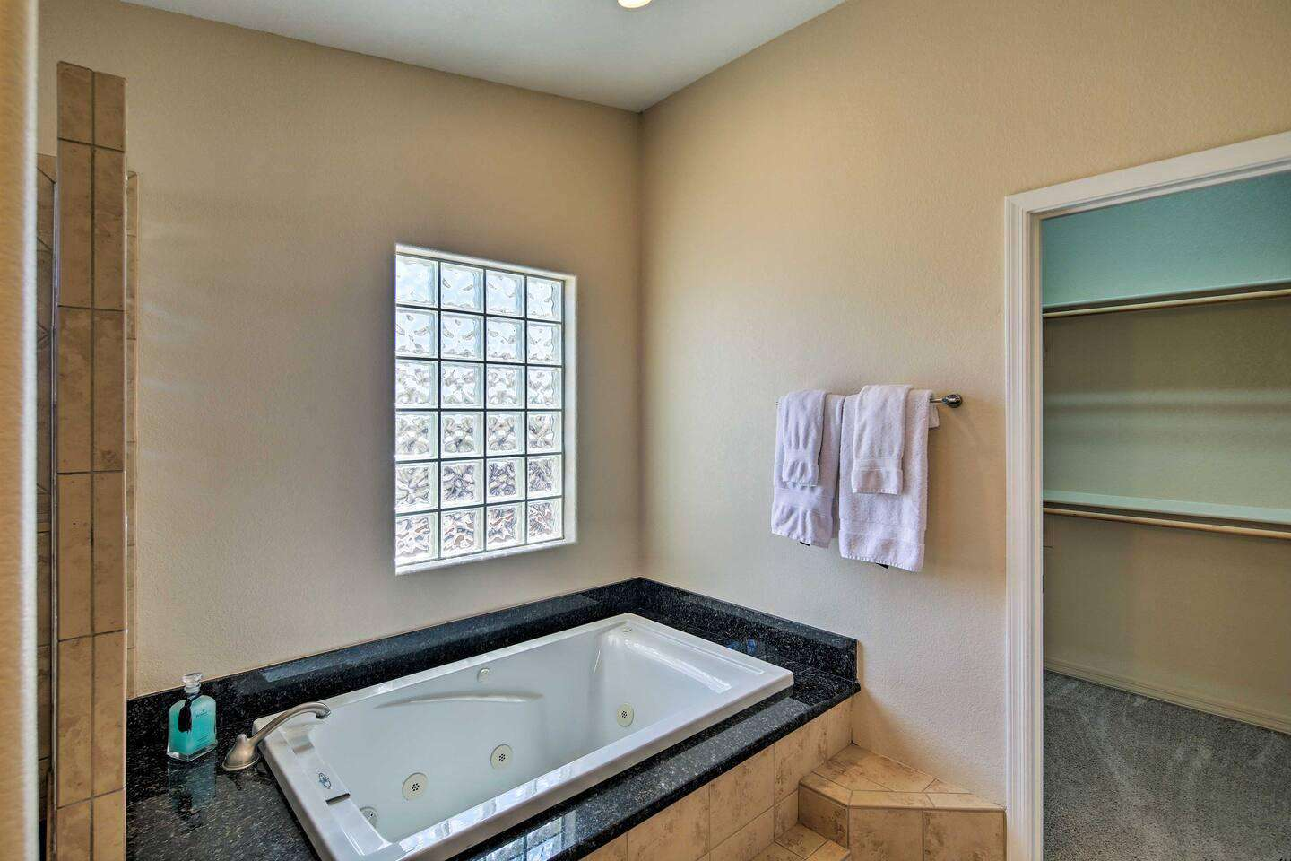 Jetted Soaking Tub