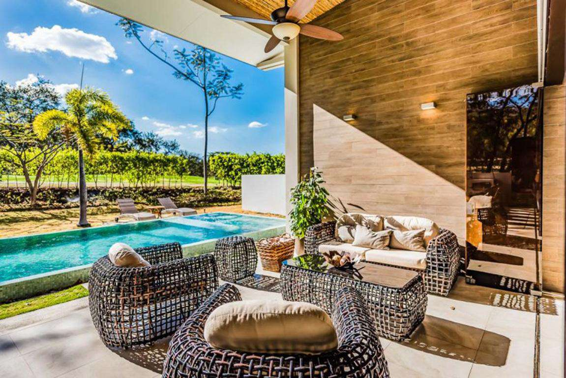 Outdoor lounge area and private pool