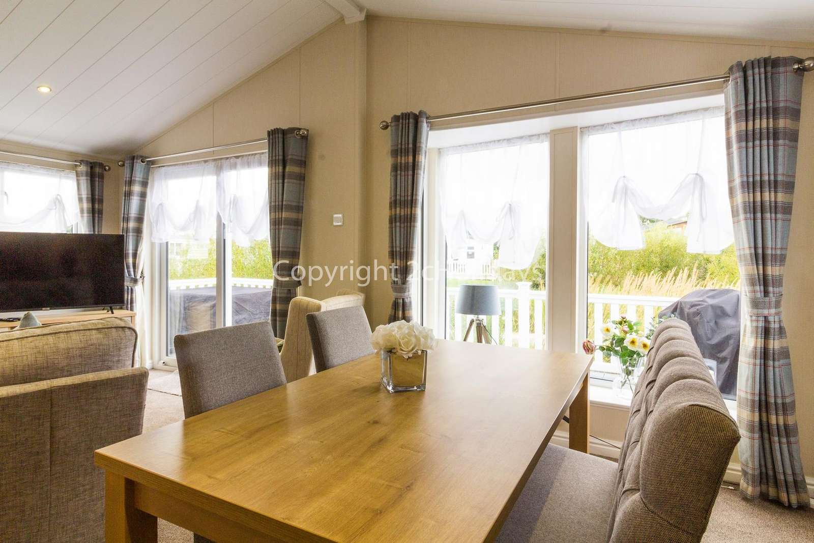 Perfect place to dine with friends or family in this self-catering accommodation