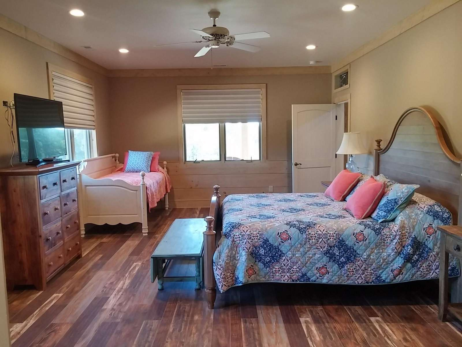 King Bedroom with Day Bed