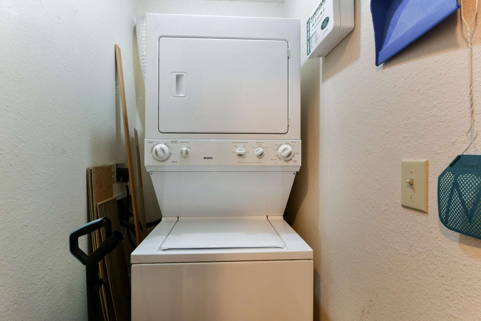 Laundry soap and dryer sheets provided