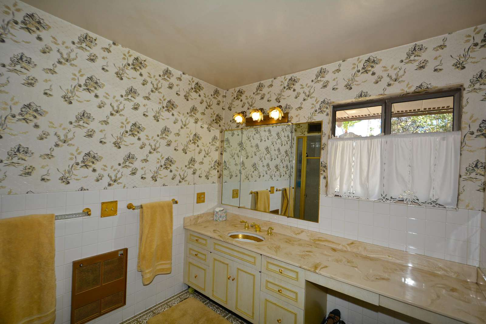 Large Master Bath Ladies side with vanity area