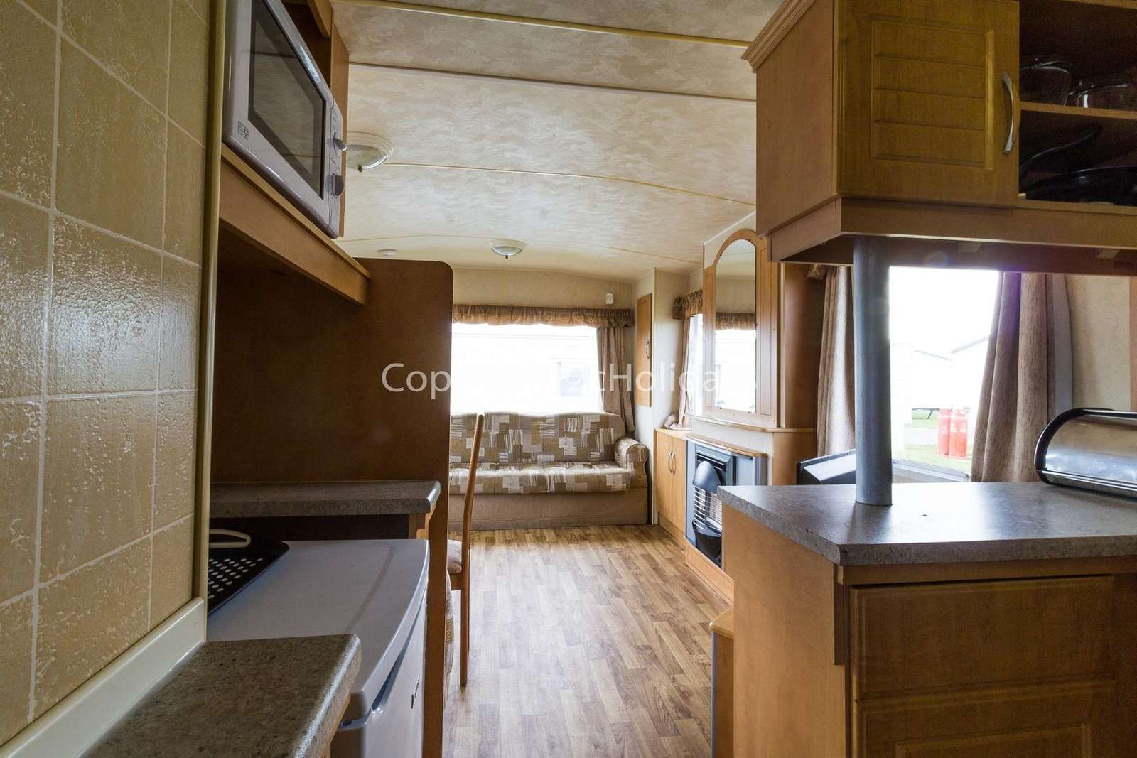 A very spacious caravan with a full size cooker!