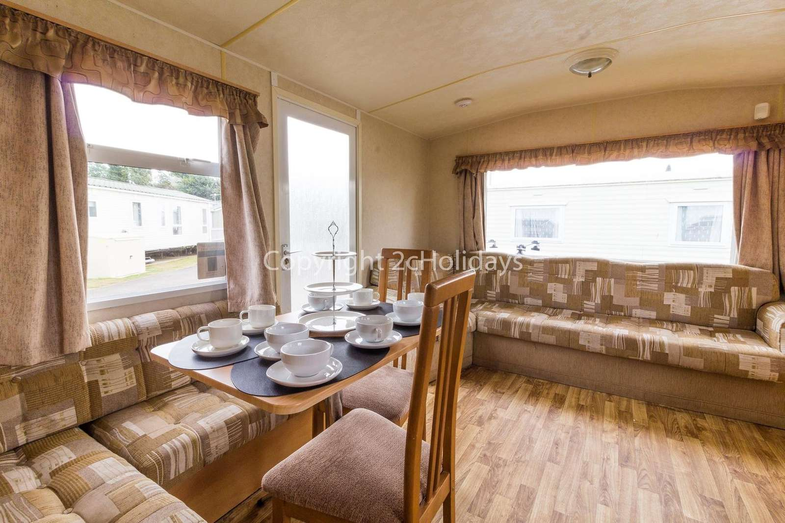 Open plan kitchen/lounge, ideal for families!