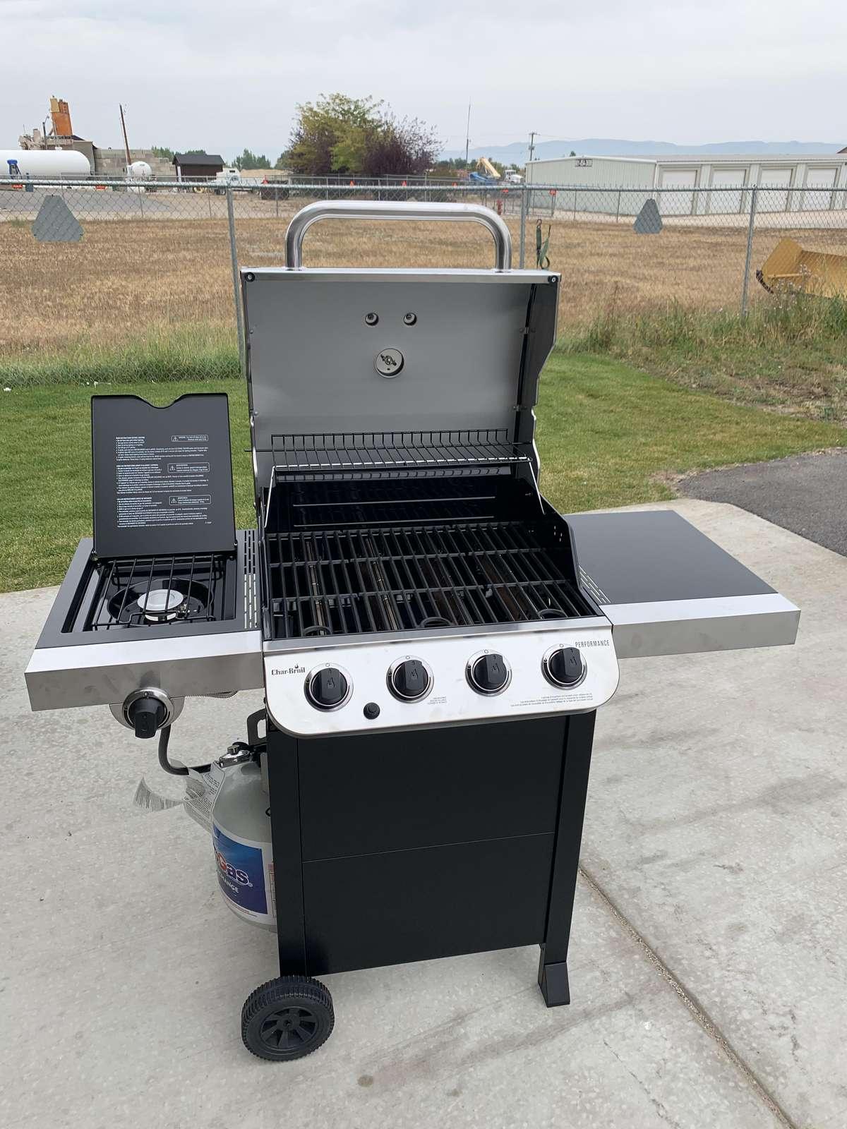 Private propane BBQ for unit 289