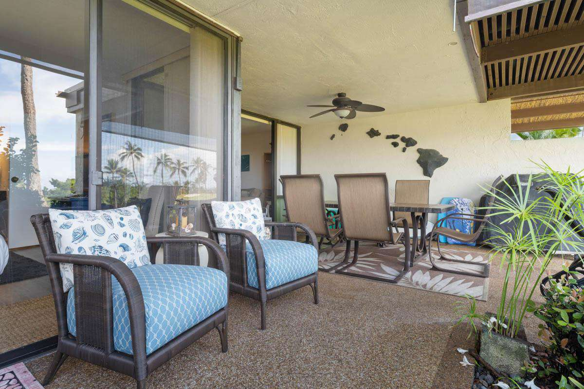 Lots of seating on the lanai, also there is a BBQ grill.
