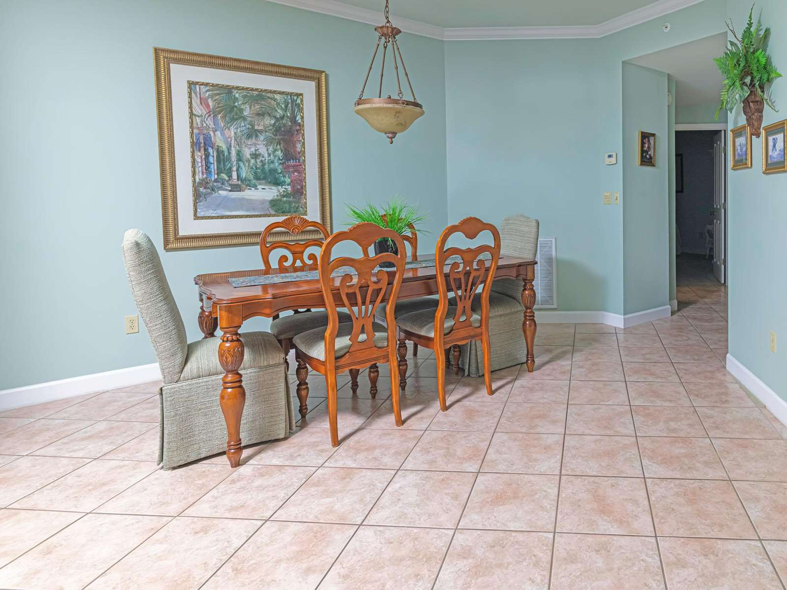 Large dining table can seat 6 easily!
