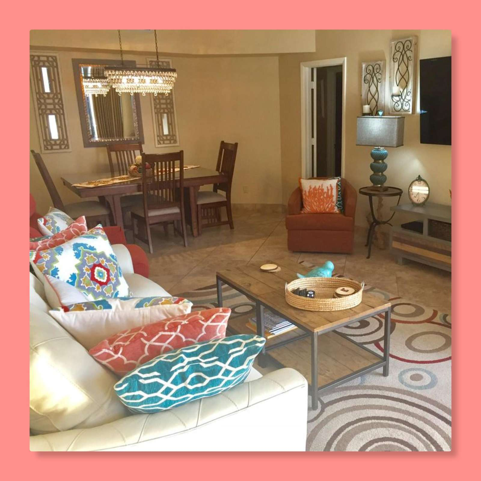 The open living room and dining room provides plenty of space to accommodate your group.