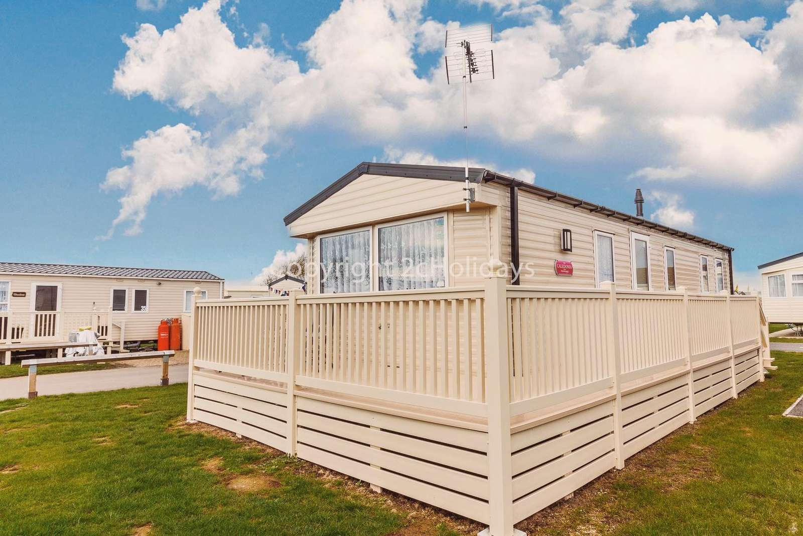 Beautiful caravan with homely touches and a modern design.