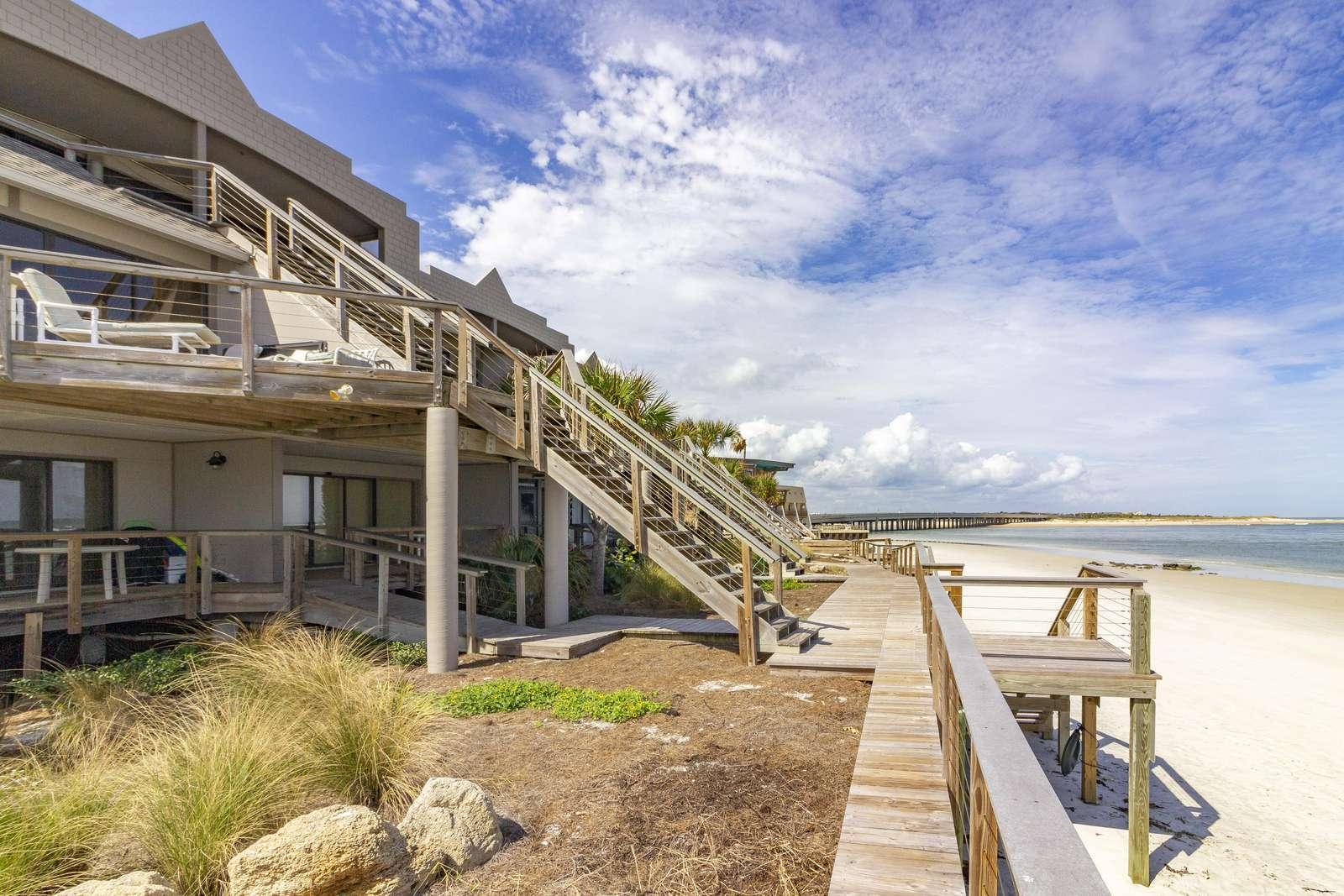 Access to beach!