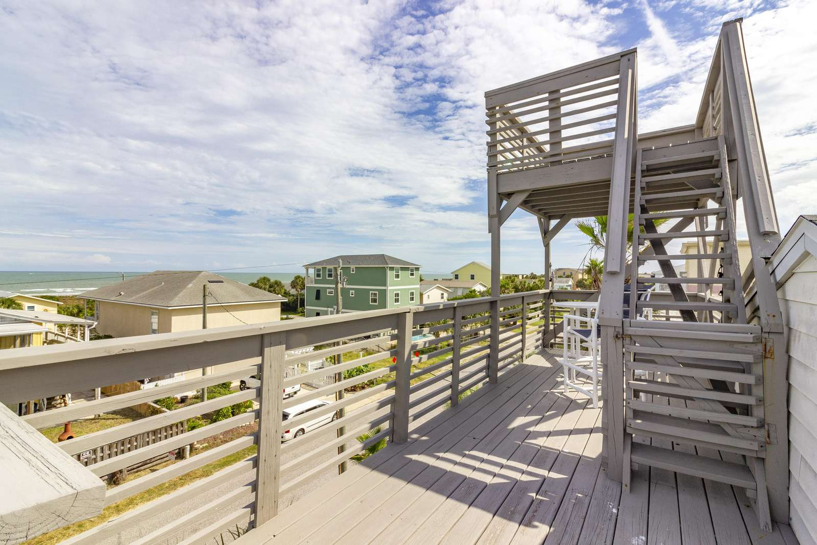 Covered Balcony / Viewing Deck