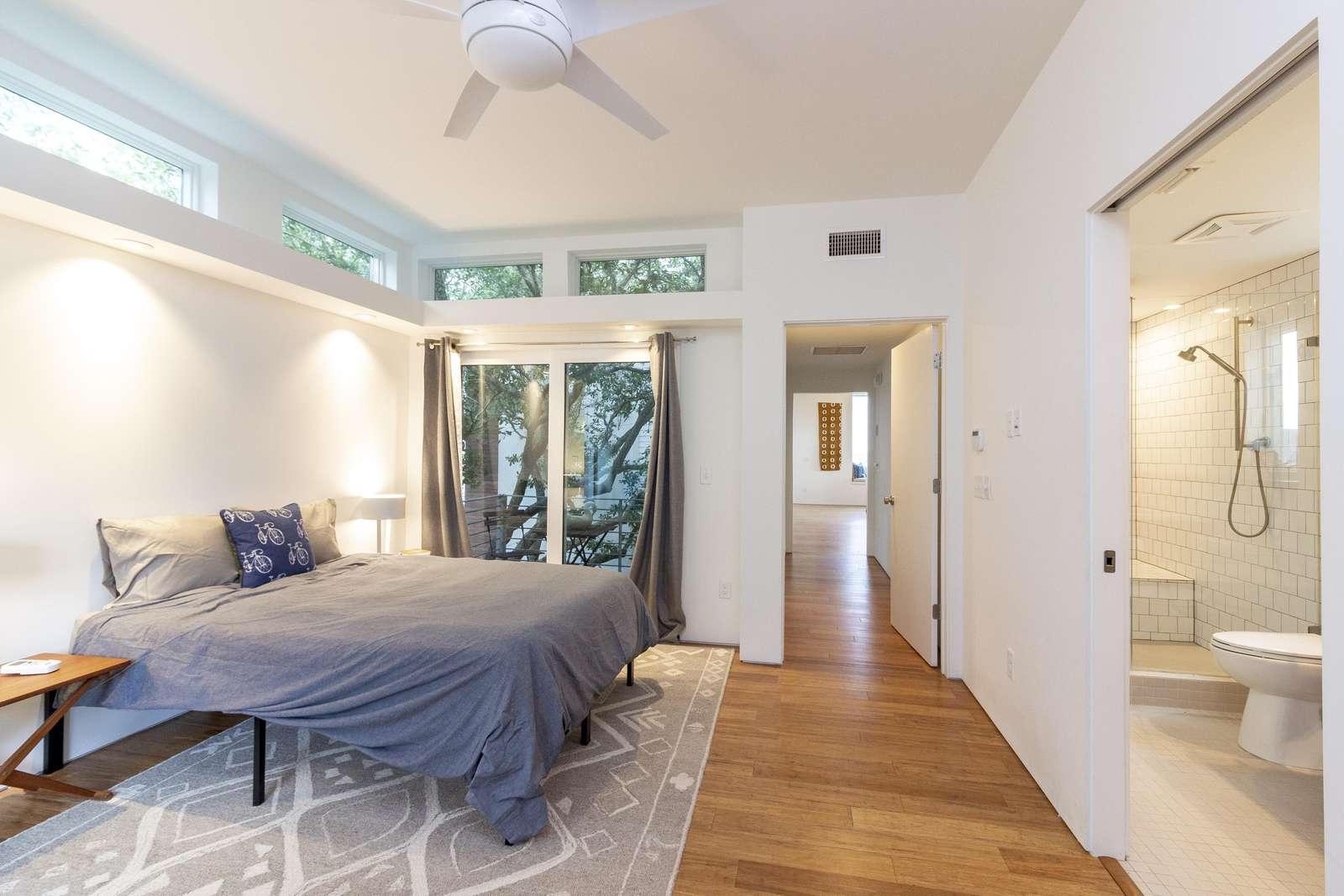 Master Bedroom with En'Suite Bath