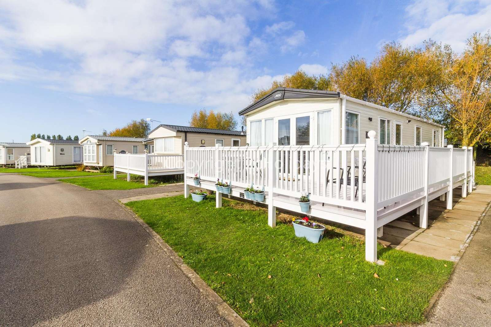 Luxury mobile home on a brilliant holiday park!