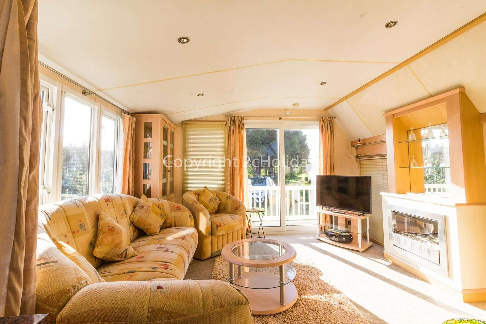 A light and spacious living area for you and your family to relax in!
