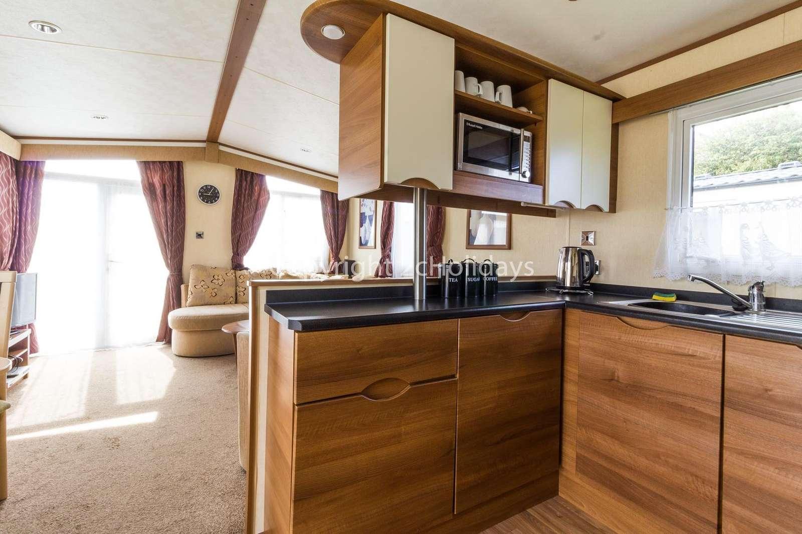 Modern open plan kitchen/lounge