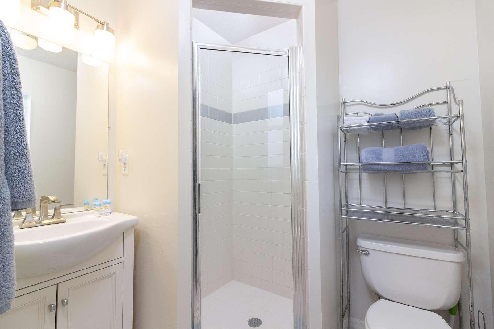 Master En'suite Bath
